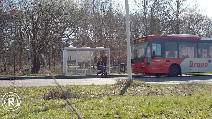 Opvouwbare scootmobiel mag niet mee in de bus   Radar checkt