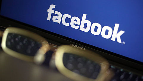 Facebook handelt niet volgens privacywet}