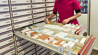 'Leg voorraad medicijnen vast'