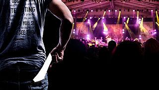4 vragen over servicekosten bij concertkaartjes