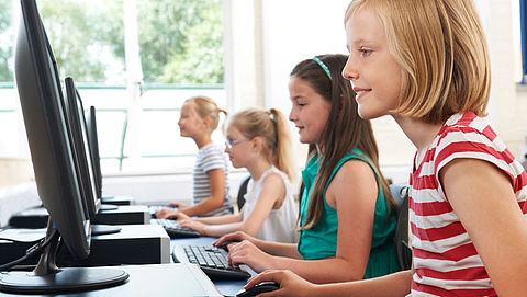 Scholen krijgen geld voor snellere internetverbinding