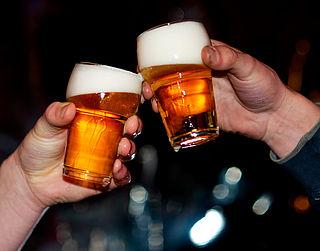 'Kans op leverkanker bij 4,5 drankjes per dag'