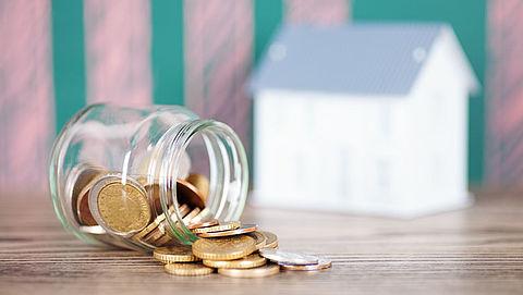 Huurders vrije sector betalen 42 procent van hun inkomen aan huur}