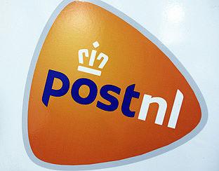 PostNL wil van servicepunten en brievenbussen af