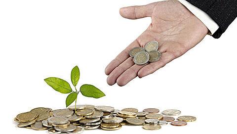 Pensioenfondsen beleggen steeds duurzamer}