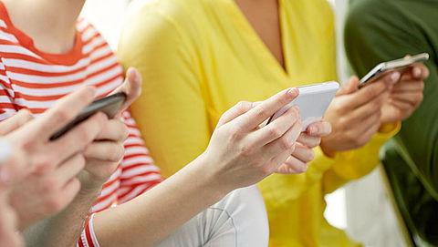 Een schoon mobieltje: van een veeg langs je broek tot grondige desinfectie