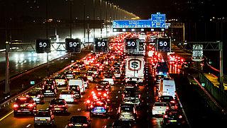'Trek extra geld uit om vastlopend verkeer rond de stad te voorkomen'