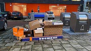 Ergernis door volle papiercontainers houdt aan: 'Dit hebben we nog nooit meegemaakt'