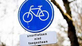 Snorfietsers vinden verkeersbesluit levensgevaarlijk