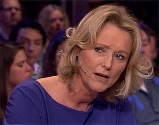 'Er is nooit een recall van woekerpolissen': Antoinette bij RTL Late Night