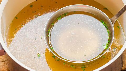 Consumentenbond: bouillonblokjes bevatten vooral veel zout}