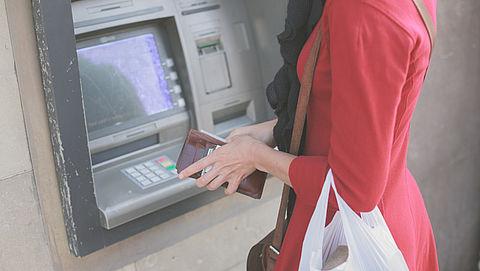 'Let op voor hoge wisselkoers bij pinnen buiten eurozone'