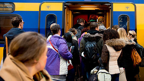 Zitplaatszoeker in steeds meer treinen te gebruiken}