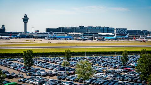 Parkeren bij een luchthaven, hoe werkt dat?}