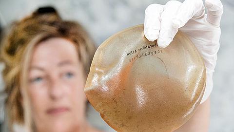 'Gezondheidsklachten door siliconen borstimplantaten verminderen na verwijdering'