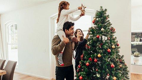 Zo houd je je kerstboom zo lang mogelijk mooi