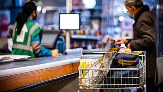 Welke essentiële winkels blijven wel open?