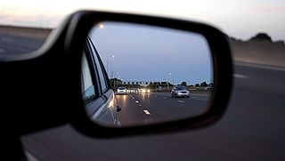 Hoe voorkom je slaperigheid achter het stuur?