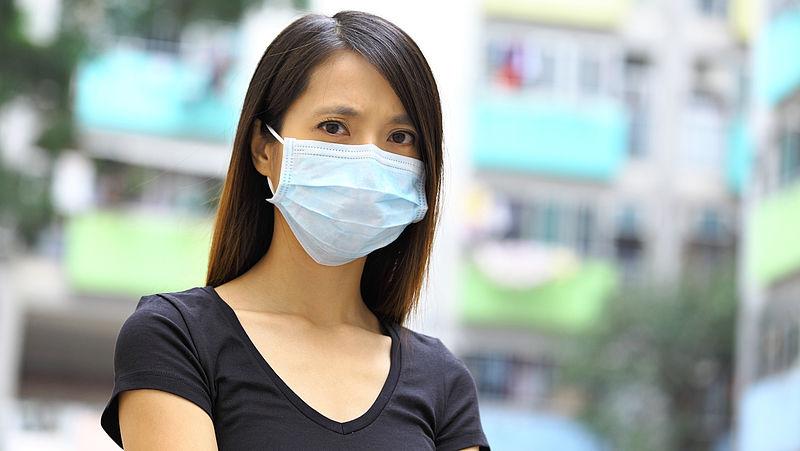 Minister benadrukt: alledaags gebruik van mondkapjes 'voegt niets toe'
