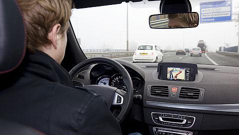 Ingebouwde navigatiesystemen zijn vaak sterk verouderd: kan dat zomaar?