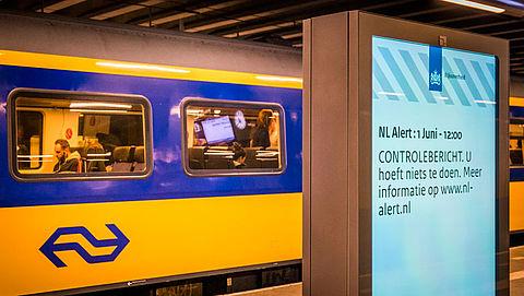 Berichten van NL-Alert nu ook op 1200 digitale reclamezuilen