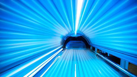 Dermatologen waarschuwen minister voor gevaren zonnebank