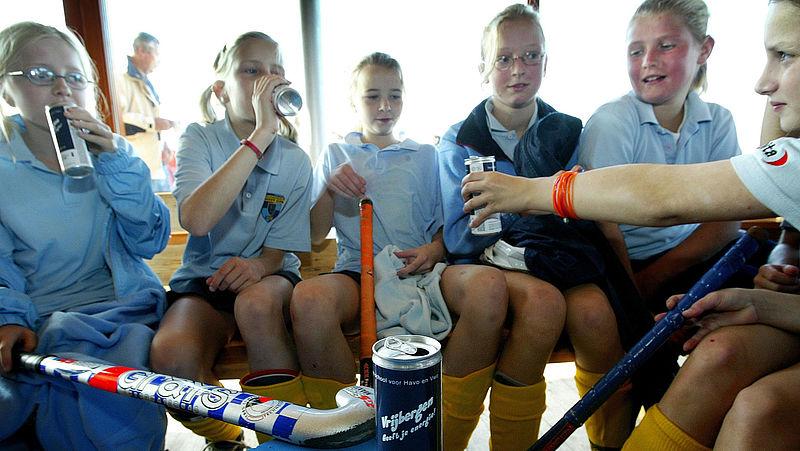 Aldi en Lidl stoppen met verkoop energiedrankjes aan kinderen