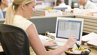 Veel werknemers betalen zelf lunch