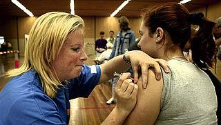 Jongeren krijgen oproep voor vaccinatie tegen meningokokkenziekte