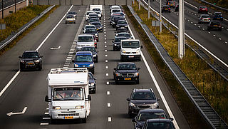 Regering wil strengere normen voor CO2-uitstoot auto's