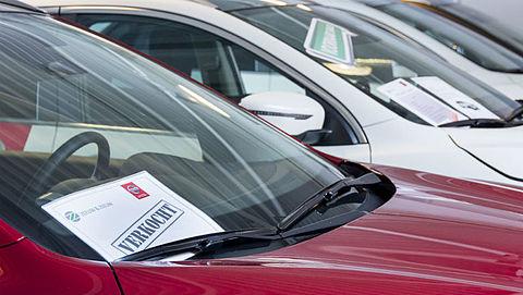 Nederlanders kopen steeds vaker duurdere auto's