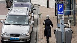 Te late taxi's zorgen dat kankerpatiënten behandelingen missen