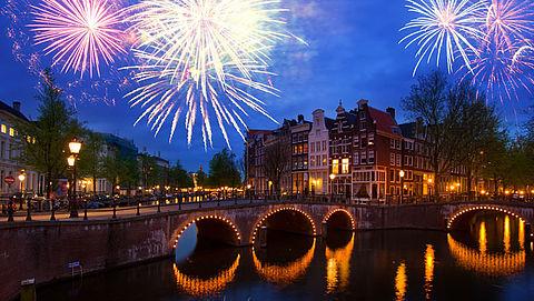 Ook Amsterdam wil al het vuurwerk voor consumenten verbieden