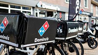 Domino's gaat pizza's 'contactloos' bezorgen vanwege corona