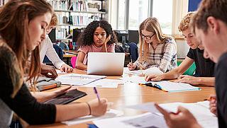 'Groeiende universiteit behoudt kwaliteit'