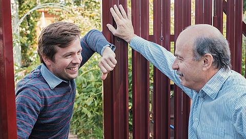 Ruzie met je buren voorkomen of oplossen: zo doe je dat}