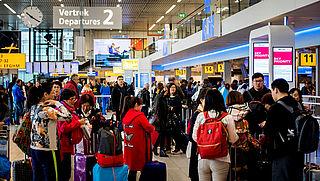 Schiphol zet extra medewerkers in om wachttijden te voorkomen