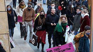 En nu zijn de winkels dicht. Kwam drukte door onwil of onvermogen van de consument?