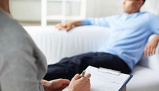 'GGZ moet psychische hulp bieden voor mensen op wachtlijst'