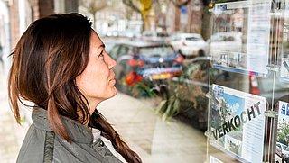 Aankoopmakelaars maken zichzelf 'onmisbaar', woningzoekende betaalt de rekening