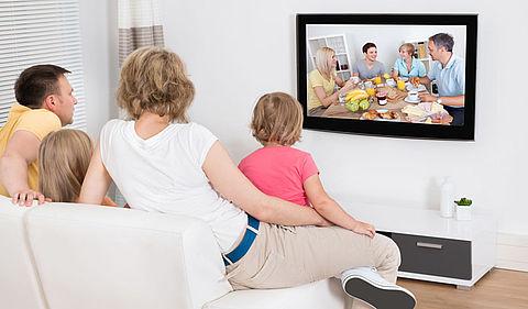 Helft huishoudens bezit smart-tv }