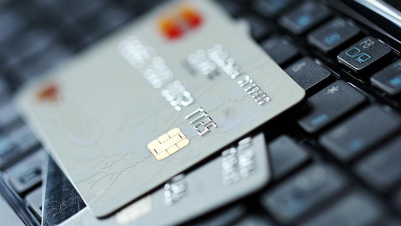 'Nederlanders huiverig over delen bankgegevens'