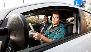 17-jarigen kunnen definitief rijbewijs halen