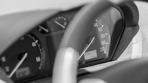 Autoverkopers getild door kilometerfraude