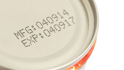 'Uitleg houdbaarheidsdatum moet voedselverspilling voorkomen'
