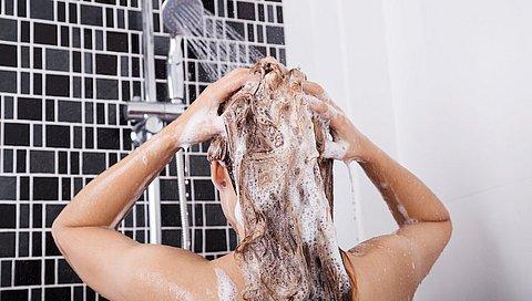 Siliconen in shampoo schadelijk? Hier moet je op letten!