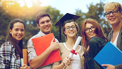 Helft leerlingen praktijkonderwijs behaalt later toch diploma}