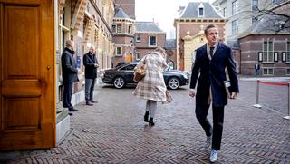 Uitspraken Hugo de Jonge over corona-testbewijs wekken woede bij winkeliers en horecabranche