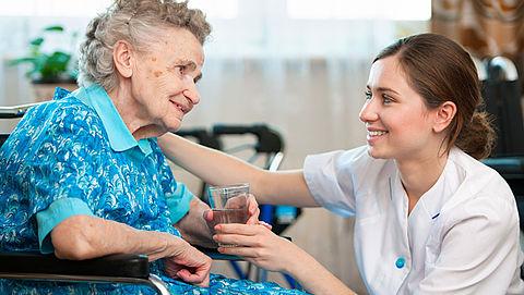 Nog jaren tekort aan personeel verpleeghuiszorg