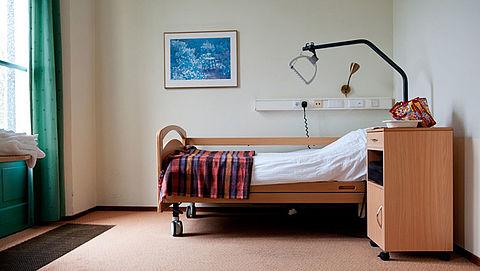 Te weinig bedden in zorgcentra beschikbaar voor zieke ouderen}